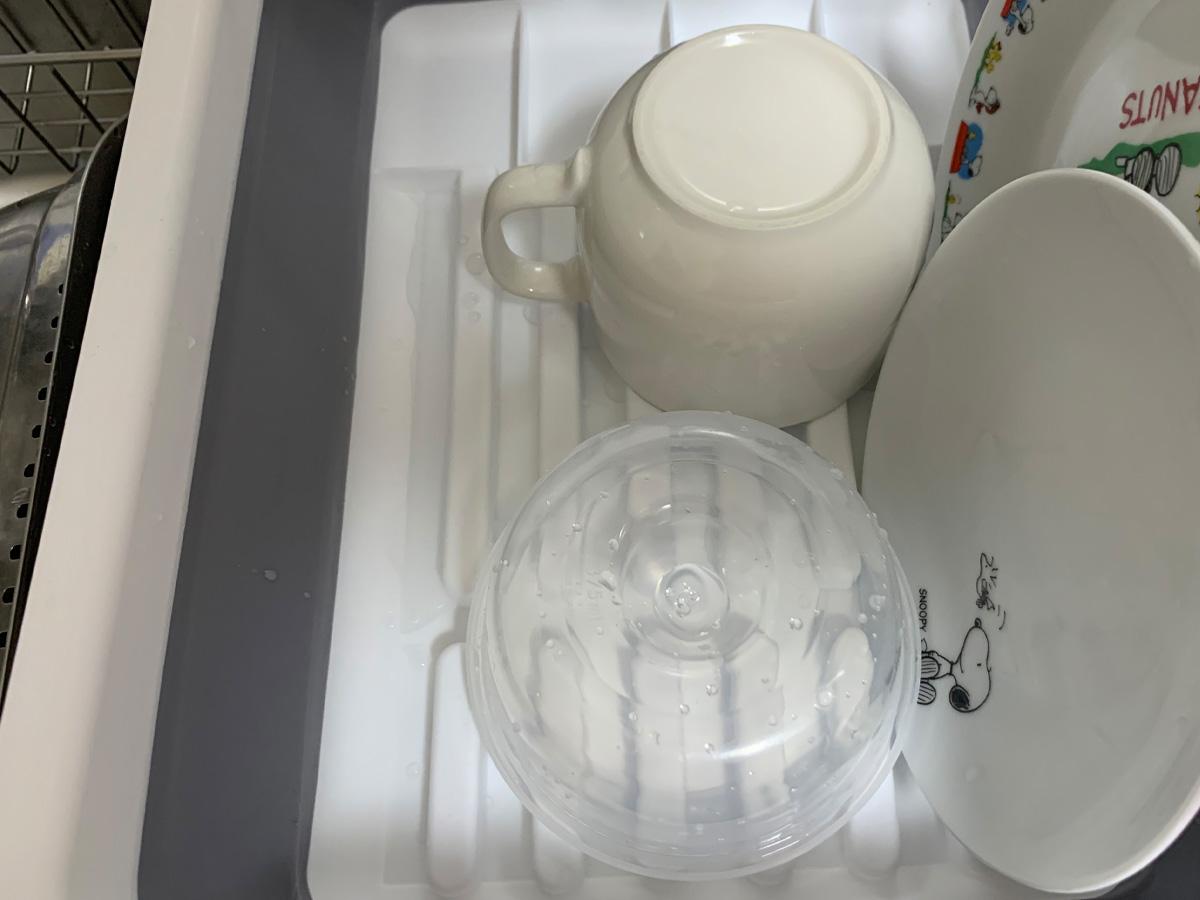 タマハシ 折り畳み水切りバスケット B07W5VSR3F 食器置いてみた